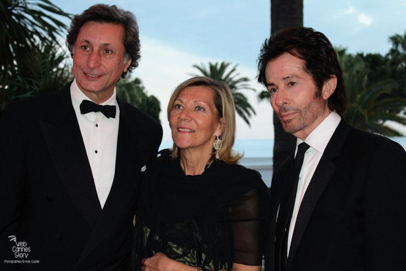 Patrick de Carolis, son épouse et Georges Chakiris, lors de la remise du Prix François Chalais - Festival de Cannes 2011 - Photo © Anik Couble