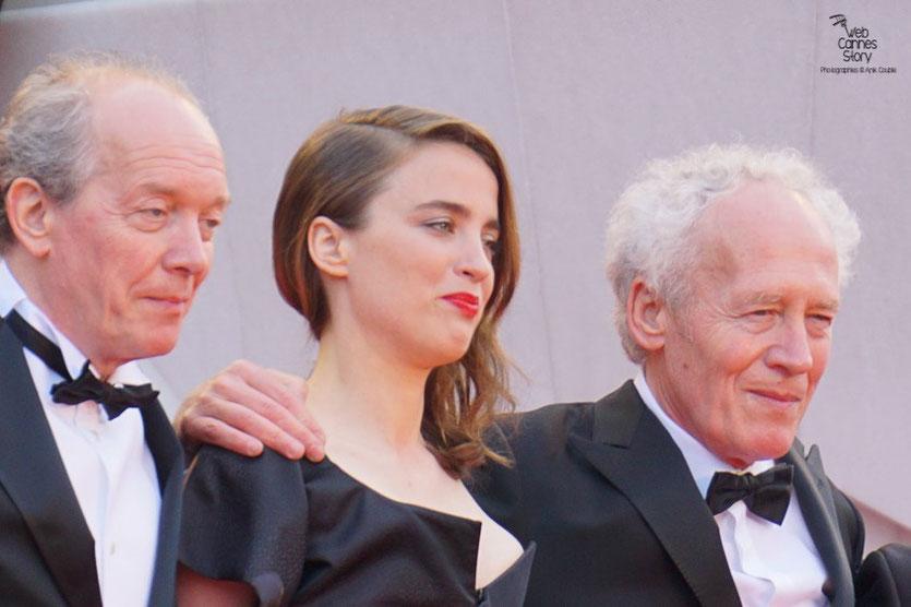 """Jean-Pierre et Luc Dardenne en compagnie d' Adèle Haenel, pour la projection de leur film """" La fille inconnue """" - Festival de Cannes 2016 - Photo © Anik Couble"""