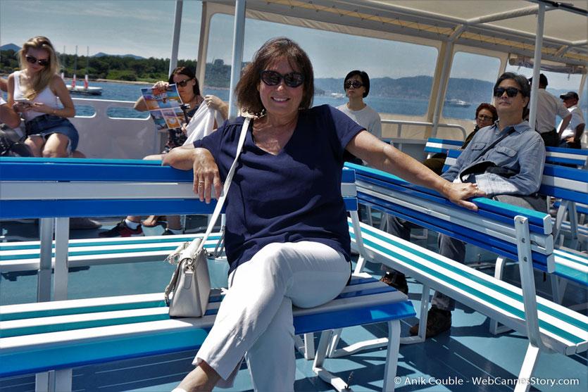 A bord de la navette, direction l'île Ste Marguerite, en compagnie de Park Chan-Wook,  membre du Jury- Festival de Cannes 2017 - Photo © Anik Couble