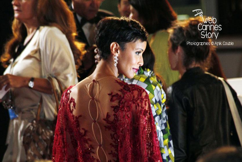 """Sonia Rolland, lors de la montée des marches du film """"TIMBUKTU"""" d'Abderrahmane Sissako - Festival de Cannes 2014 - Photo © Anik COUBLE"""