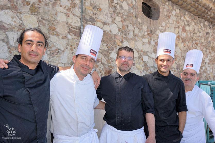 Le staff  des cuisiniers - Déjeuner de presse - Festival de Cannes 2016 - Photo © Anik Couble