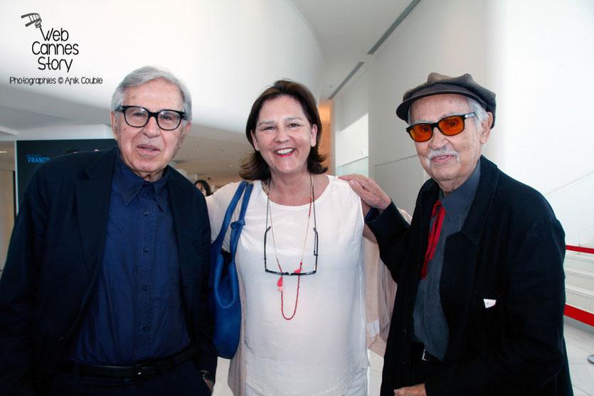 Sylvaine  VALINI, entouré de Vittorio et Paolo Taviani, lors de l'hommage aux frères Lumière - Festival de Cannes 2015 - Photo © Anik COUBLE