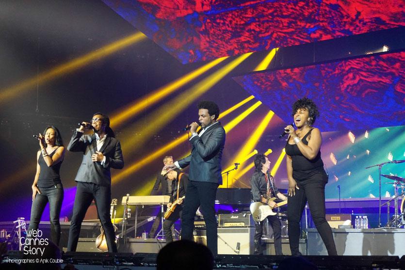 Les choristes de Johnny Hallyday - Rester Vivant Tour - Halle Tony Garnier - Lyon - 7 et 10 novembre 2015 - Photo © Anik Couble