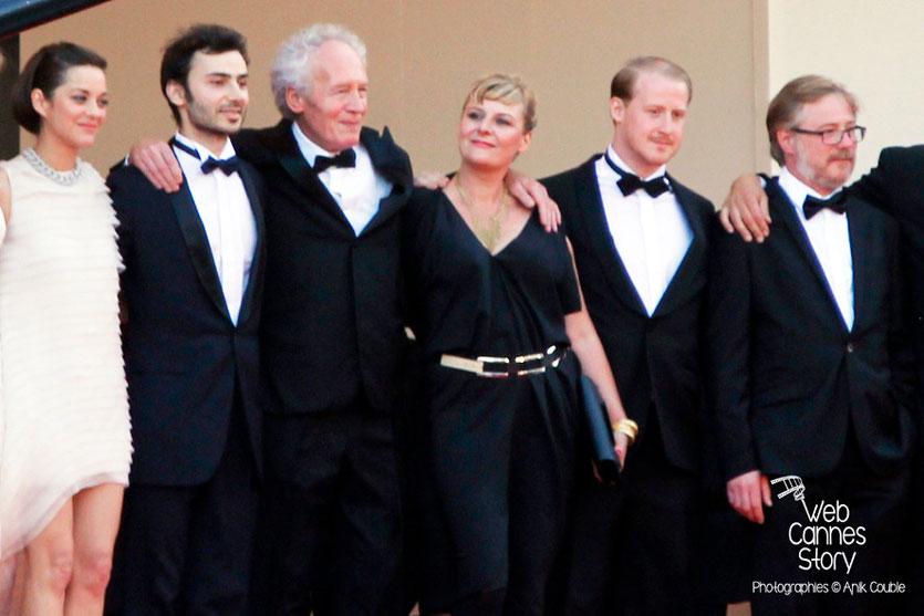 L'équipe du film  «Deux jours, une nuit » de Jean-Pierre et Luc Dardenne,  dont Marion Cotillard et Jean-Pierre Dardenne - Festival de Cannes 2014 - Photo © Anik COUBLE