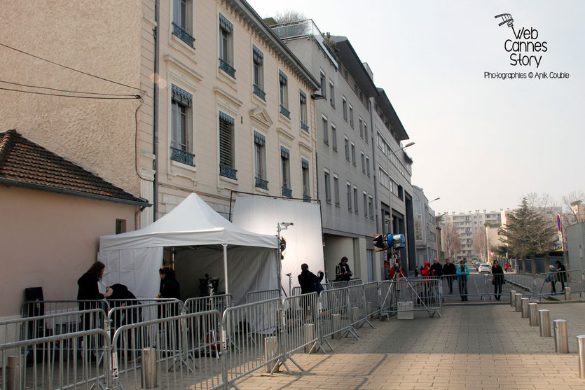 """Tournage du remake de """" Sortie d'Usine """" à l' Institut Lumière, pour célébrer les 120 ans du Cinéma. - Lyon - 19 mars 2015 - Photo © Anik COUBLE"""