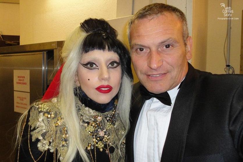 Lady Gaga  avec mon ami Serge Mauro - Festival de Cannes 2011 - Photo  © Anik Couble