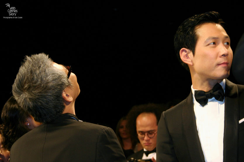 "Im Sang Soo et Lee Jung Jae, lors de la projection de son film ""The Housemaid"" - Festival de Cannes 2010 - Photo © Anik Couble"