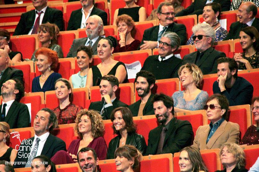 Keanu Reeves au milieu des invités, lors de la cérémonie de remise du Prix Lumière à Pedro Almodovar - Festival Lumière - Lyon - Octobre 2014 - Photo © Anik COUBLE