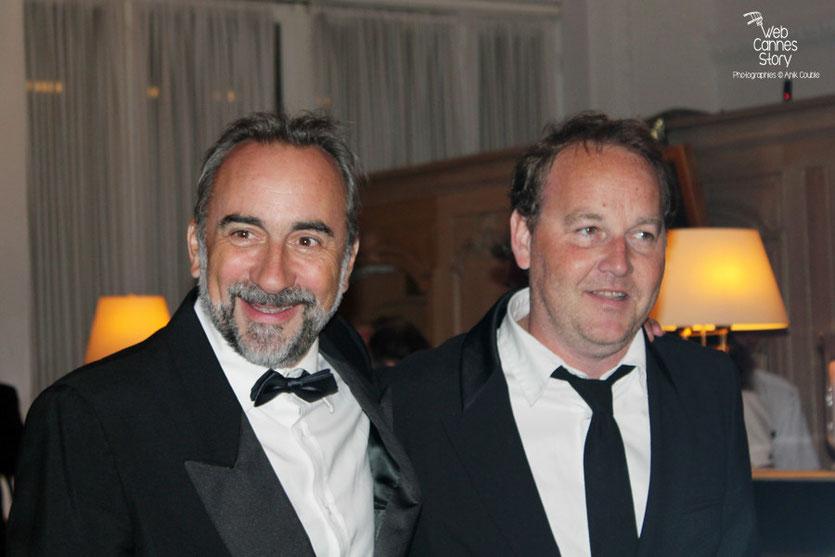 Arrivée d'Antoine Dulery et de Xavier Beauvois, au dîner donné en l'honneur de Jean-Paul Belmondo, au Carlton - Festival de Cannes 2011 - Photo © Anik Couble