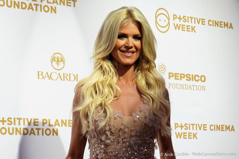 Victoria Silvstedt, lors du dîner de gala de la Fondation Positive Planet et de la remise des prix de la Positive Cinema Week 2017 - Festival de Cannes 2017 - Photo © Anik Couble