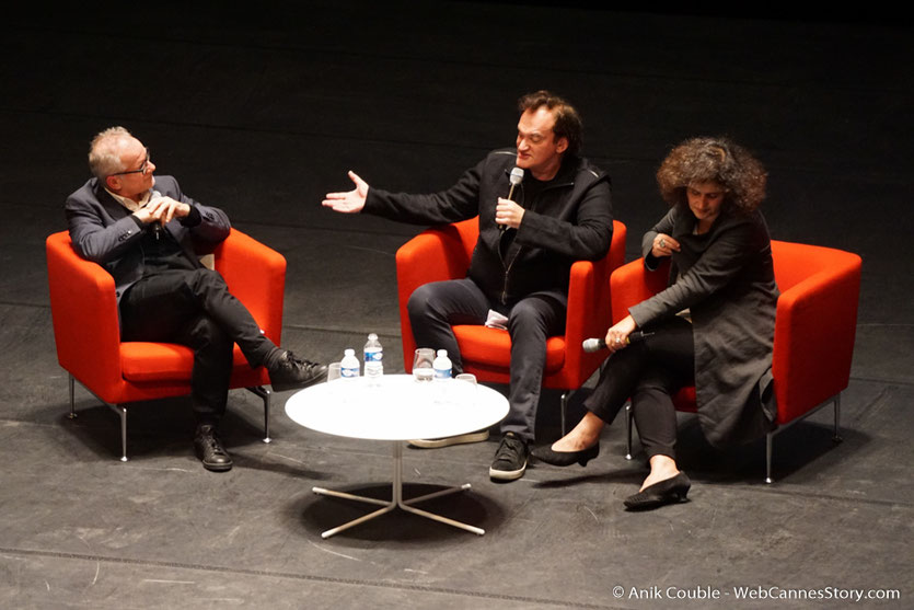 Thierry Frémaux, Quentin Tarantino et Massoumeh Lahidji, la géniale traductrice,  lors de la Master Class de Quentin Tarantino - Festival Lumière 2016 - Auditorium de Lyon - Photo © Anik Couble