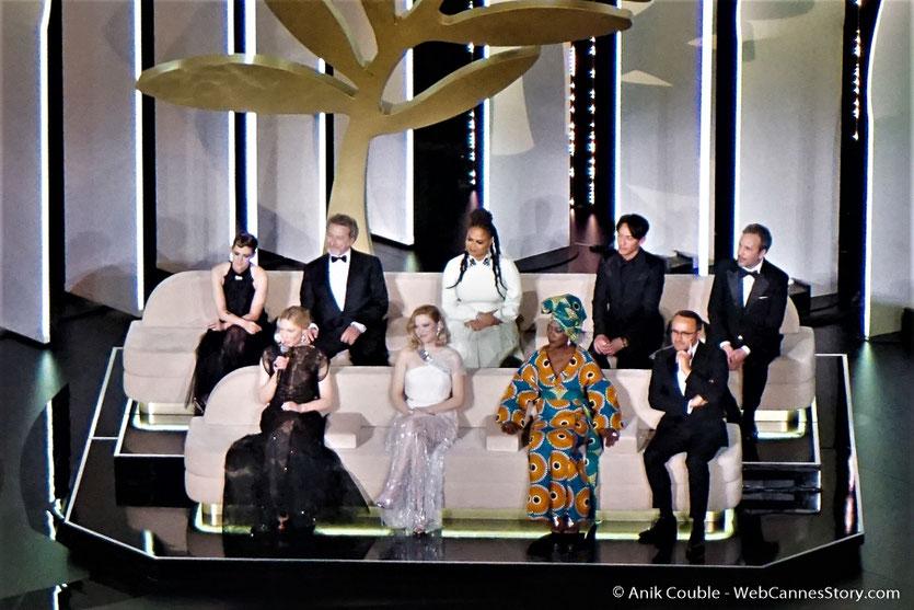 Le Jury, présidé par la sublime actrice australienne, Cate Blanchett, lors la cérémonie d'ouverture du Festival de Cannes 2018 - Photo © Anik Couble