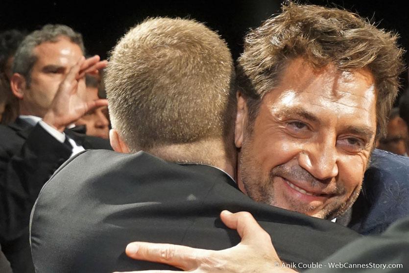 Javier Bardem et Thierry Frémaux, lors de la projection du film, Todos lo saben (Everybody Knows), de Asghar Farhadi, présenté, en ouverture du Festival de Cannes 2018 - Photo © Anik Couble