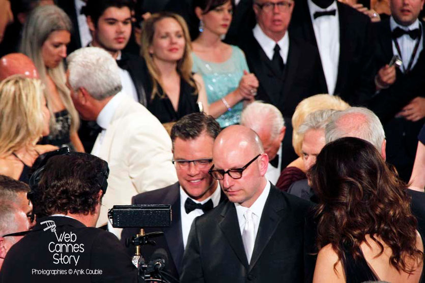Matt Damon, Steven Soderbergh et Michael Douglas lors de la projection du film «Ma vie avec Liberace» - Festival de Cannes 2013 - Photo © Anik COUBLE