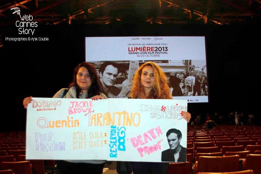 2 charmantes fans de Quentin Tarantino - Clôture du Festival Lumière - Lyon - 2013 - Photo © Anik COUBLE