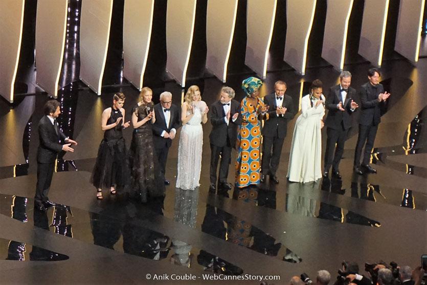 Martin Scorsese, entouré des membres du jury, vient de déclarer, ouvert, le Festival de Cannes 2018 - Photo © Anik Couble