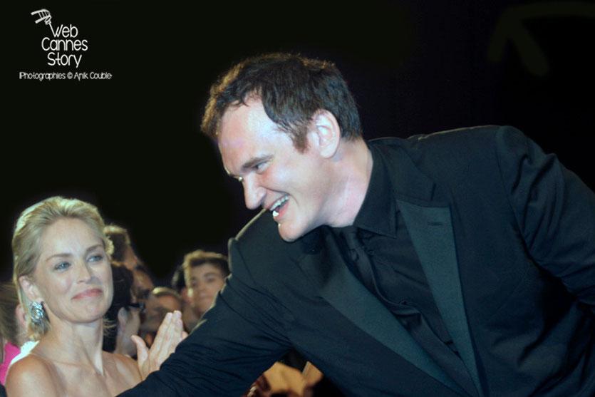 """Quentin Tarantino et Sharon Stone, lors de la projection du film """"Inglorious Basterds""""- Festival de Cannes - 2009 - Photo © Anik COUBLE"""