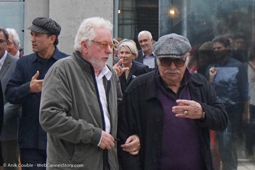 Jean Becker, accompagné de Michael Mann, lors du tournage, du remake de la Sortie des Usines Lumière, dirigé par Wong Kar-Wai - Festival Lumière 2017 -  Lyon - Photo © Anik Couble