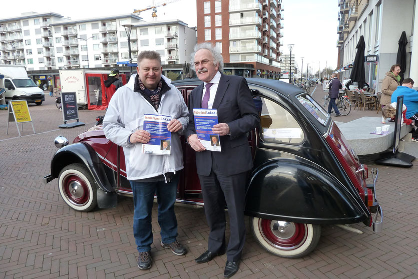 Maart 2015 - Flyeren op de Meent in Papendrecht met Bert Euser voor Nederland Lokaal