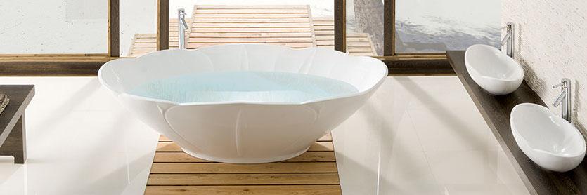 Freistehende badewanne holz  Freistehende Badewannen, Mineralguss und Holz im Angebot - Badefieber