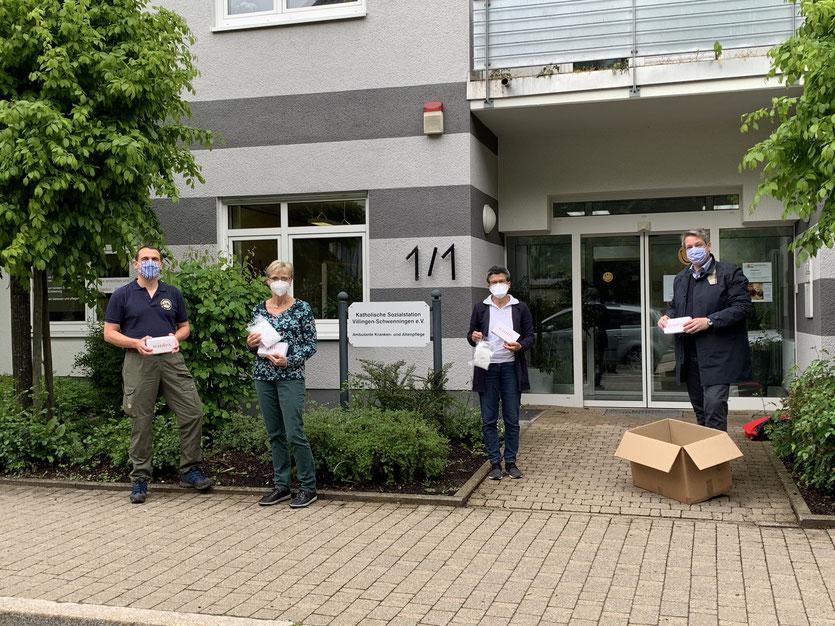 Übergabe von Schutzmasken an die Katholische Sozialstation e.V. Villingen-Schwenningen