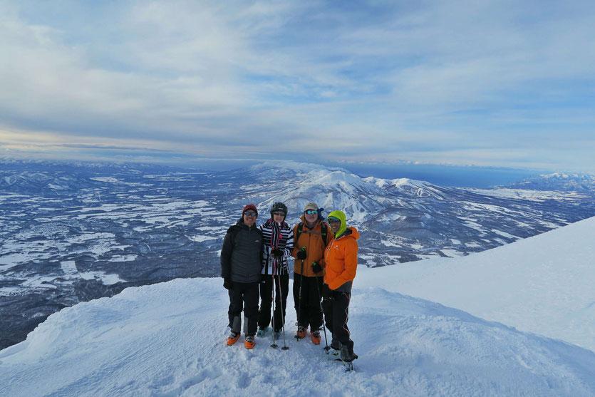 Niseko-backcountry-ski-guide-Japan