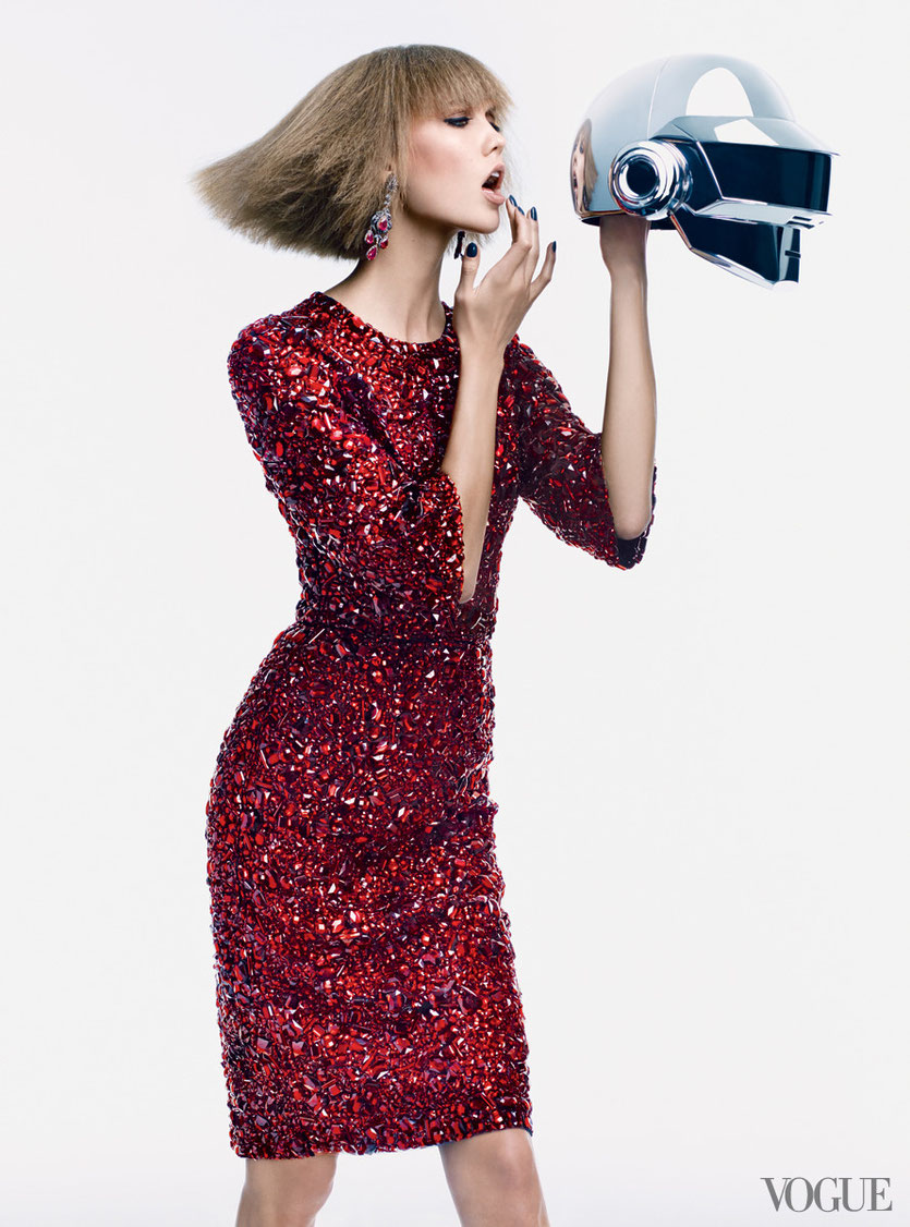 Karli Kloss amazing in Vogue´s newest Fashion Campaign