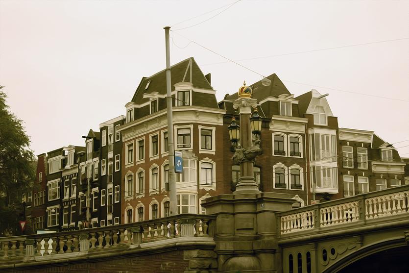 Traditioneller Häuserblock in Amsterdam