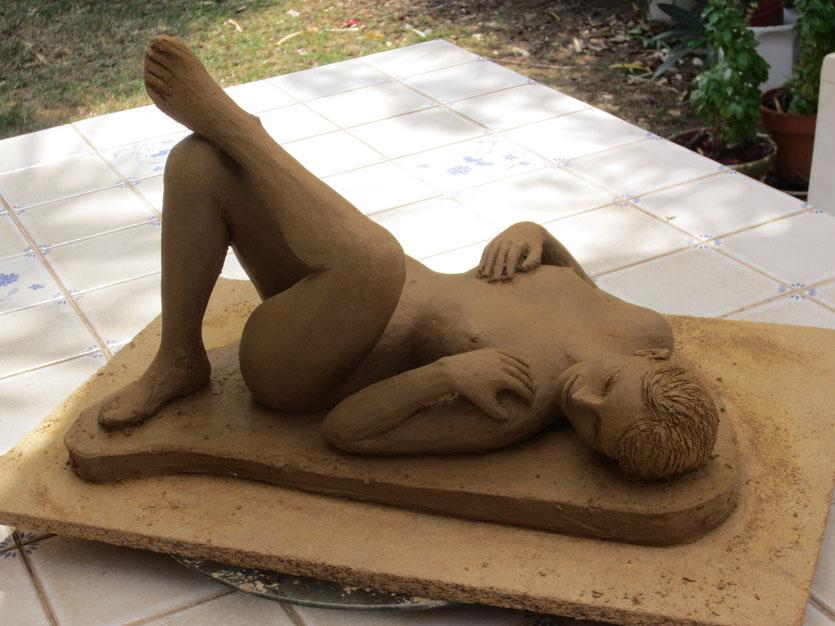 nu couché sculpture argile nouveausculpteur aout 2013
