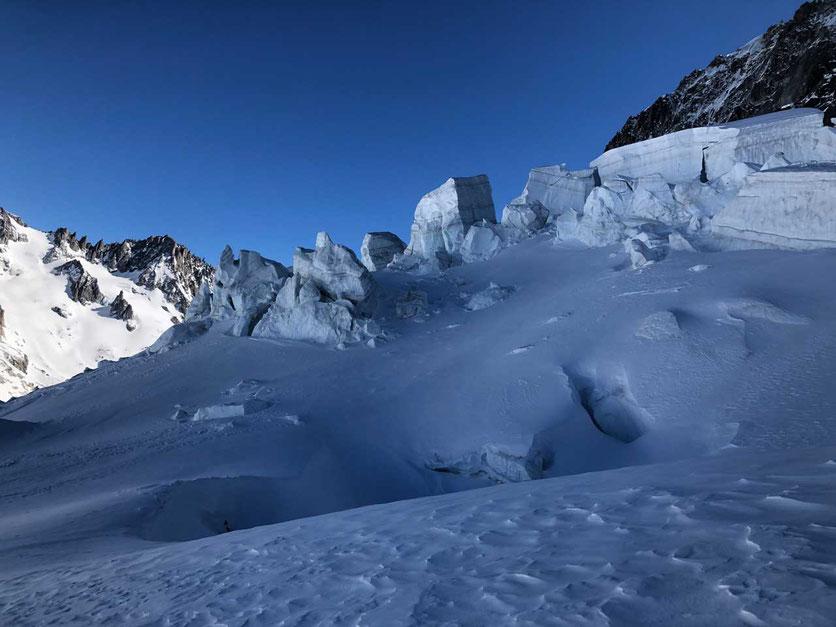Mont-Blanc-Massiv - Eisbruch oberhalb des Argentiere Gletscher