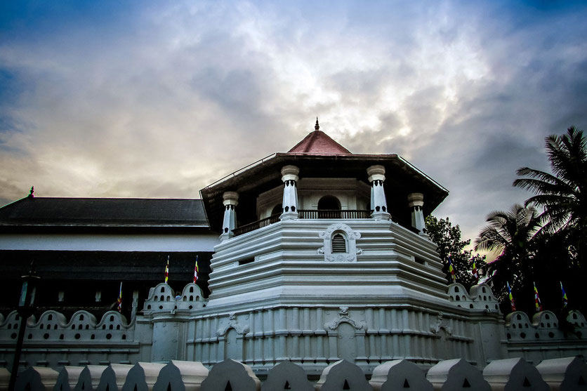 Zahntempel in Kandy Sri Lanka