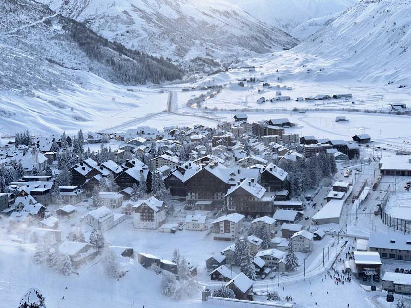 Andermatt Dorf Winter Chedi Hotel