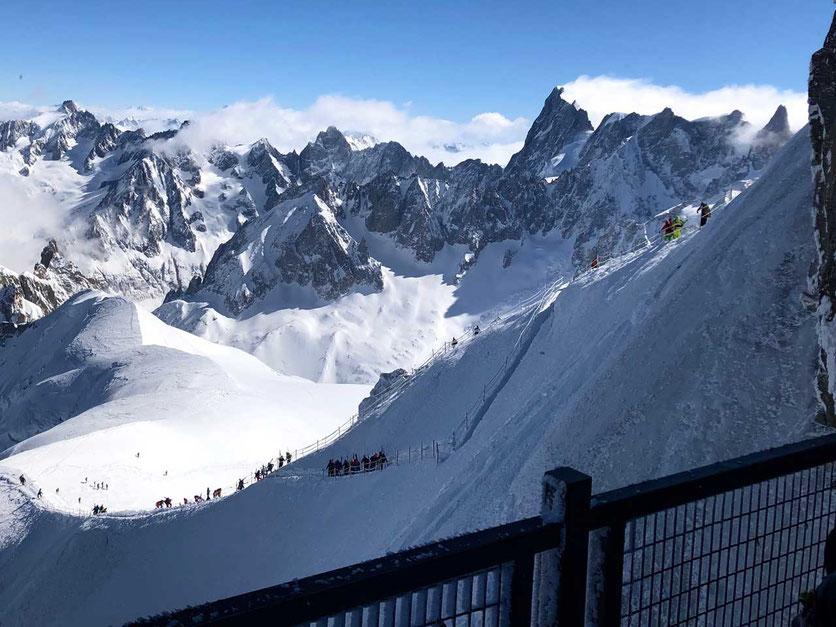 Aiguille du Midi – Abstieg über den Grat zur Vallée Blanche Gletscherabfahrt