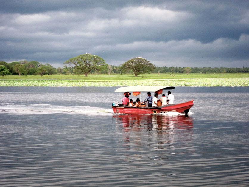 Tissa Wewa lake tour Sri Lanka