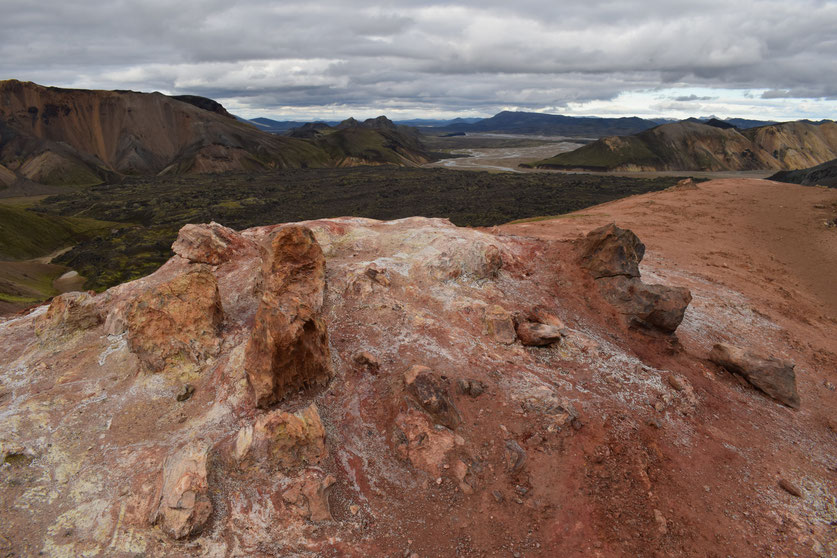 Rhyolite, geothermal activity, coloured rock Landmannalaugar