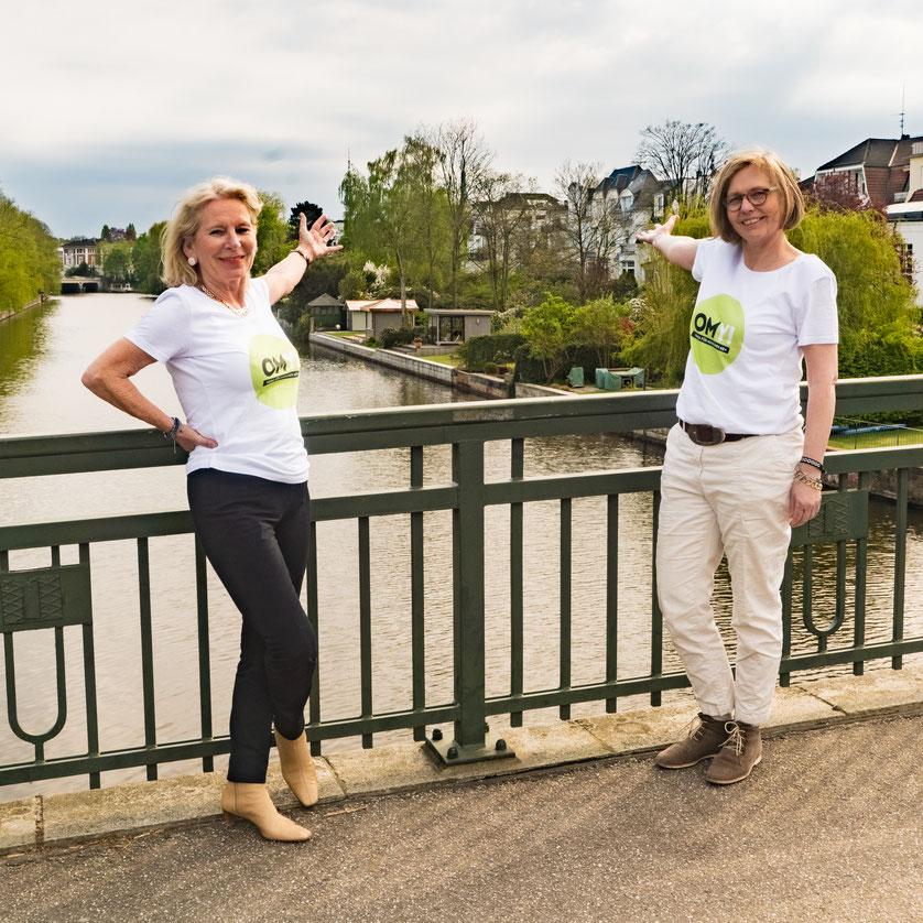 Christine Worch, Geschäftsführerin Stiftung Generationen-Zusammenhalt, und Cornelia Brammen, Gründerin und Vorstand Yoga für alle e.V.
