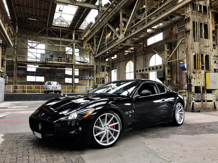 Maserati Granturismo Automatica with Vossen Rep., S-Modell Front light, Black Grill, Special Brakes & Details in Gun Metall