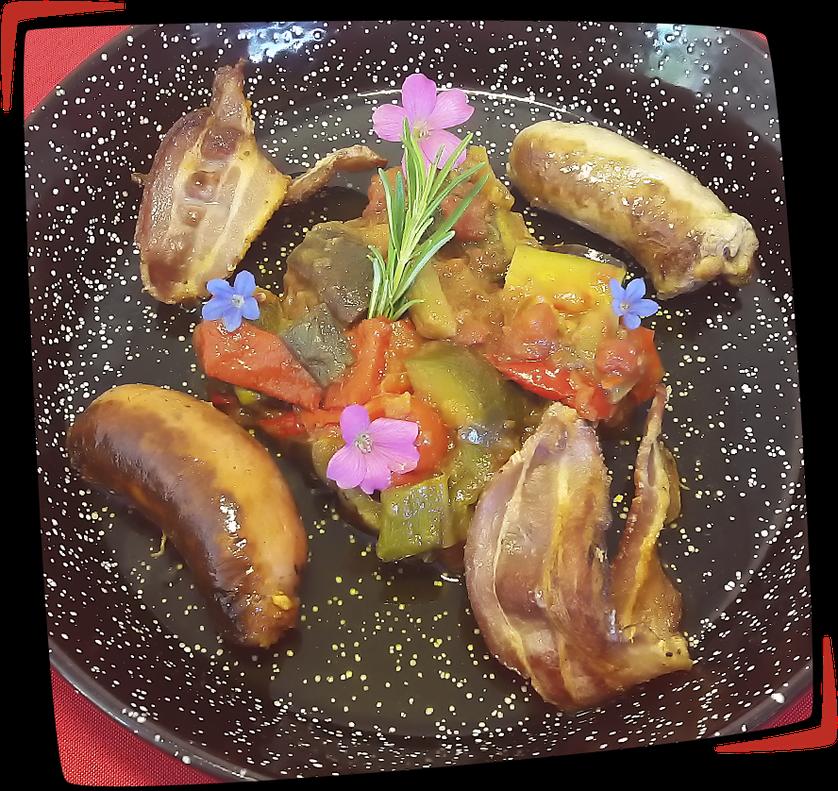 Samfaina, chorizo frito, salsicha y lonchas de tocino façon Tapas Locas