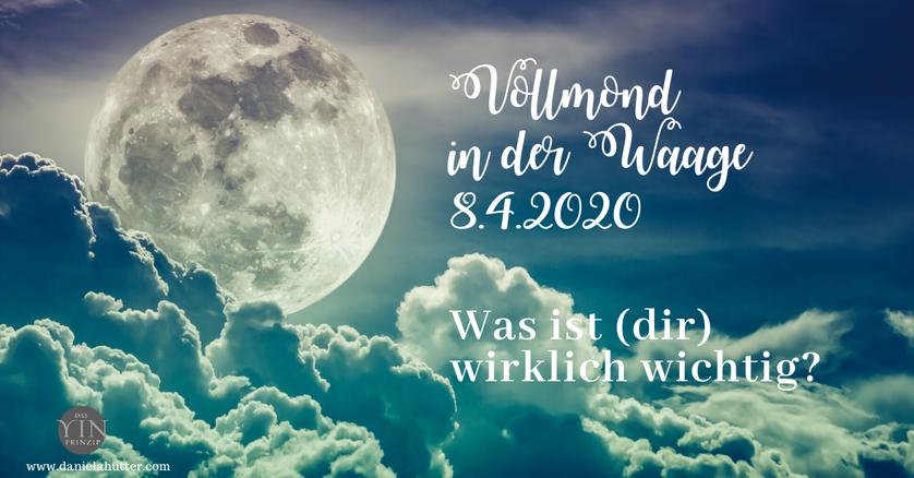 Daniela Hutter bloggt über ZeitQualität und weibliche Spiritualität. Vollmond. kosmische Energien.