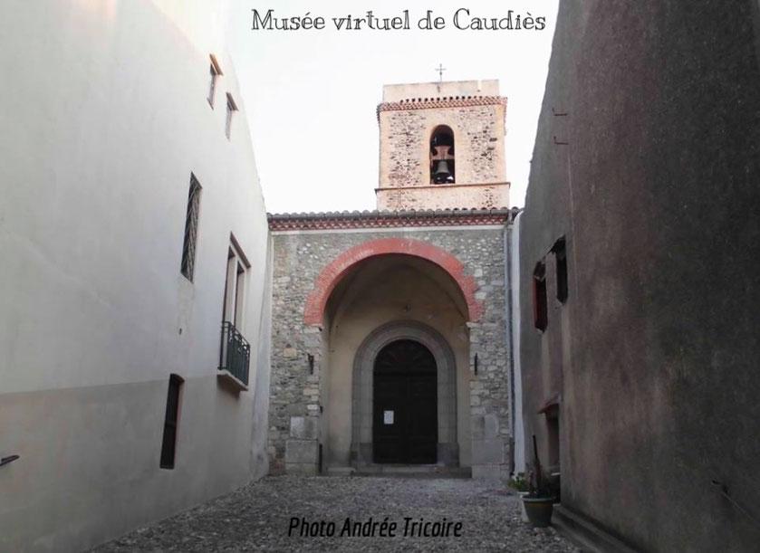 Porche d'entrée de l'église paroissiale