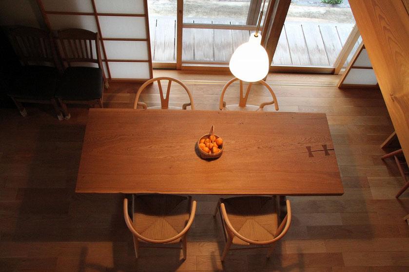 ナラ 一枚板 テーブル