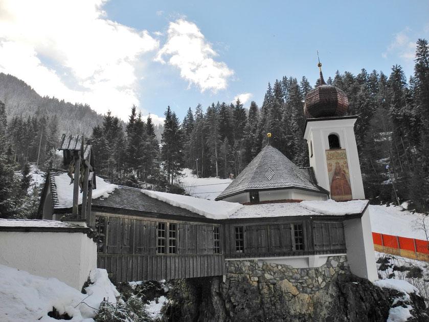 freie Trauung Tirol Scheffau Trauzeremonie Kitzbühel Österreich freier Redner Theologe