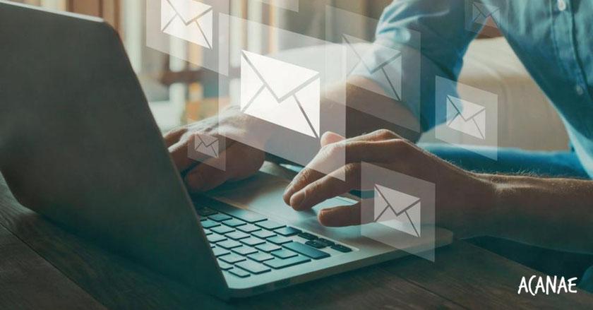 Nos encantaría que nos enviaras una carta por correo electrónico contándonos tu experiencia de acoso escolar antes del 13 de junio 2021.