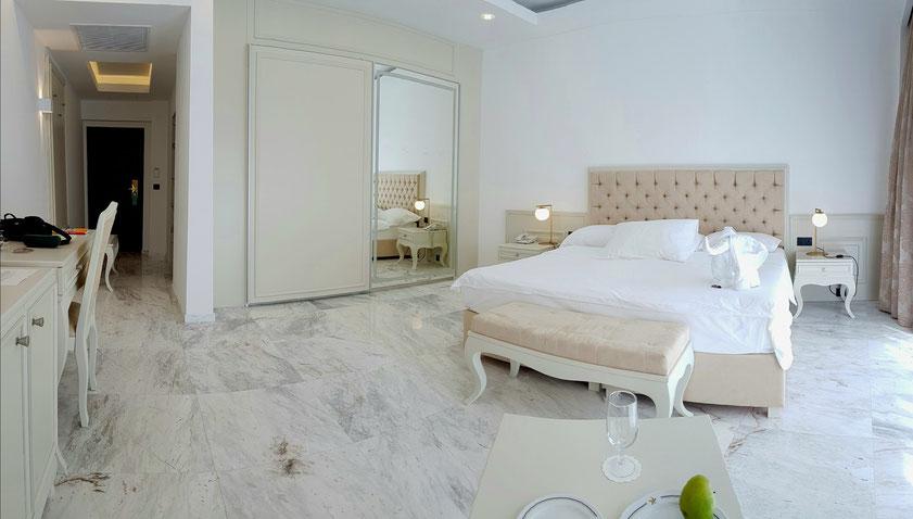 Mein Zimmer 12062 im Hotel Iberostar Bellevue (Panoramaaufnahme)