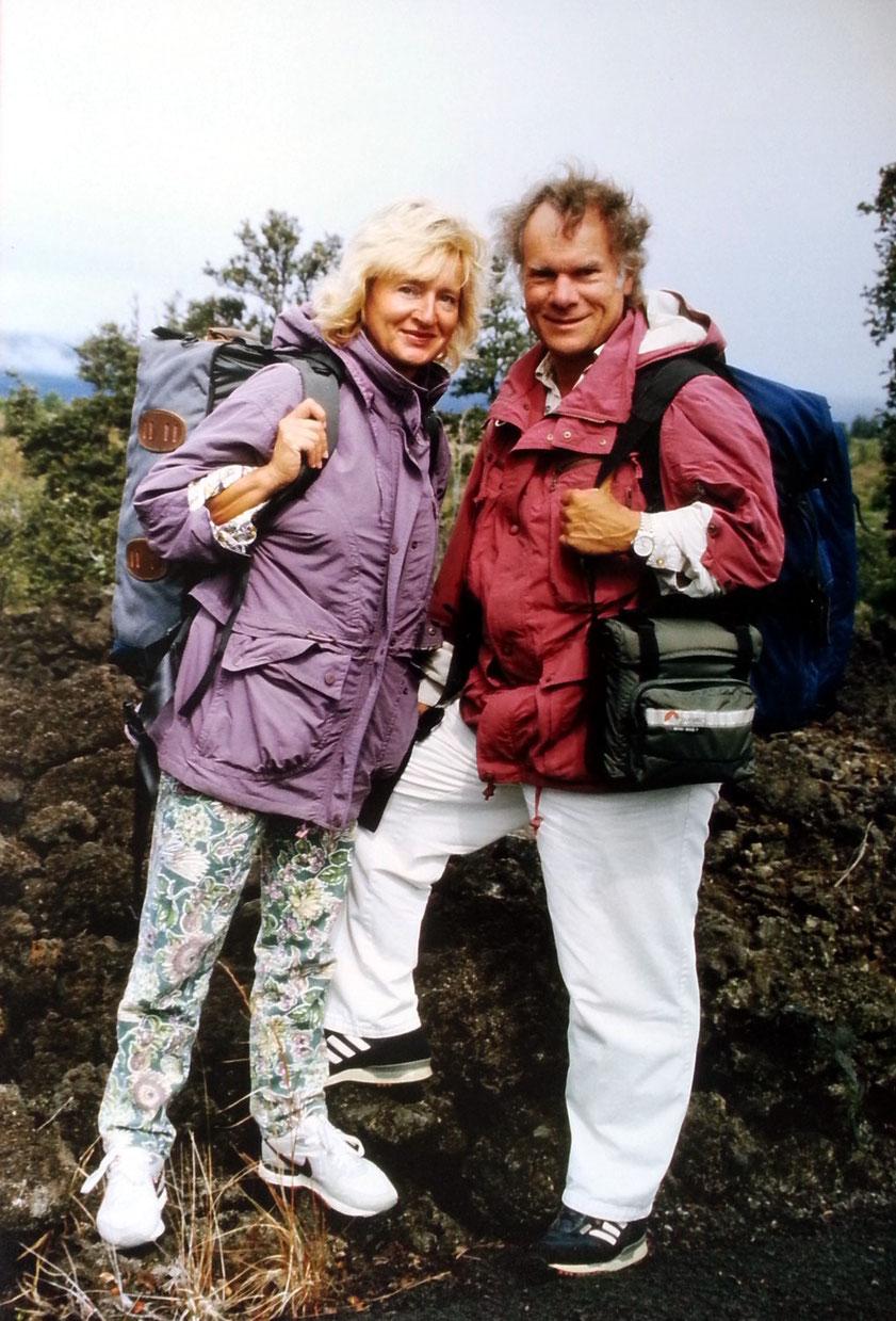 Almut und Frank Rother auf Big Island, Hawaii, 1991. Das gesamte Gepäck der Reise war in den Rucksäcken auf unseren Rücken verstaut.