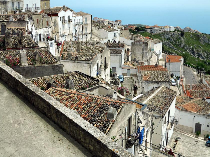 Monte Sant'Angelo, Via Belvedere, Blick nach Süden auf die Altstadt