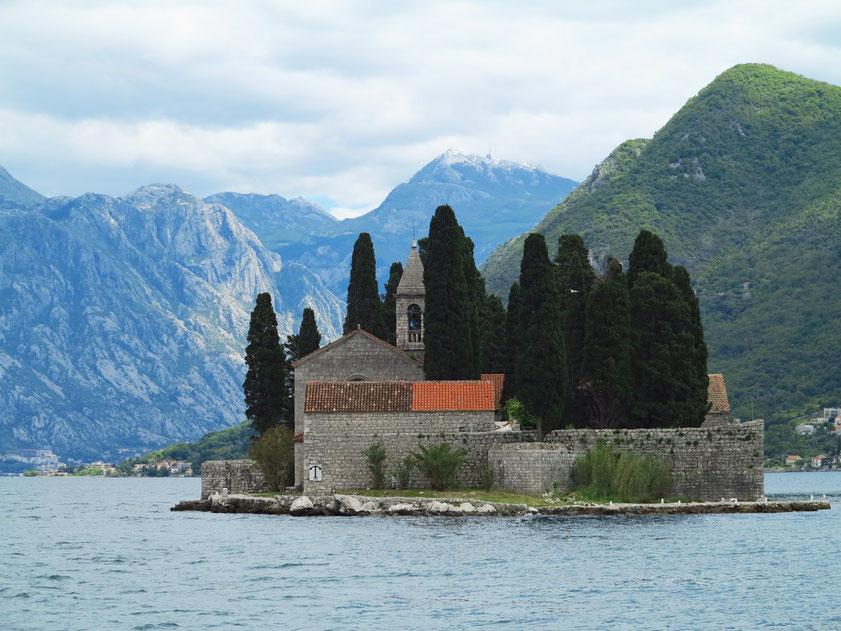Sveti Đorđe (Insel des Hl. Georg) ist ein natürliches Eiland, auf dem im 12. Jahrhundert das erste Benediktiner-Kloster errichtet wurde.