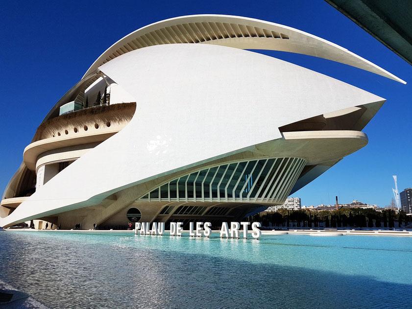Valencia, Opernhaus (Palau de les Arts). Architekt: Santiago Calatrava