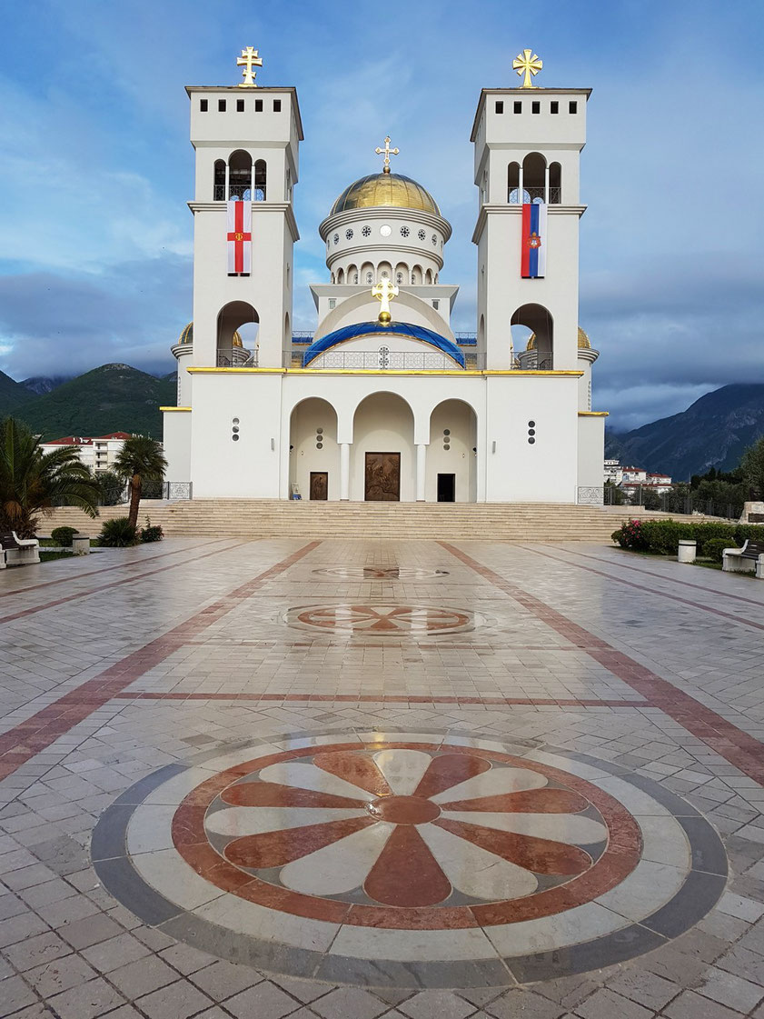 The Cathedral Of St. John Vladimir in Bar, serbisch-orthodoxe Kirche (Ausgestaltung im Innern war 2019 noch nicht abgeschlosssen)