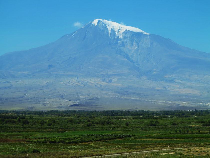Großer Ararat, ein ruhender Vulkan im Ararathochland in Ostanatolien nahe der Grenze zu Armenien, 5137 m